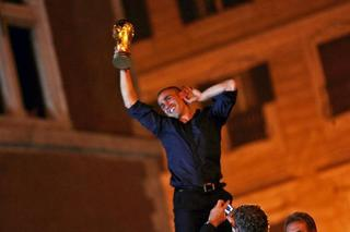 Fabio Cannavaro celebrates World Cup win 2006.jpg