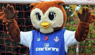 Oldham Athletic mascot Chaddy the Owl.jpg